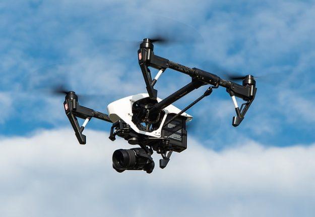 drone che vola